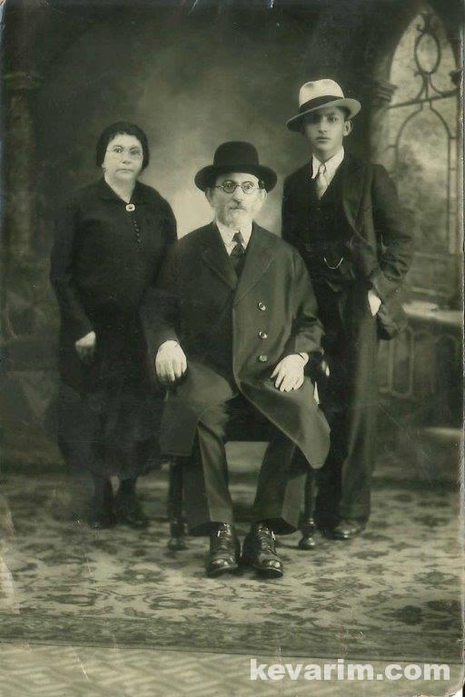 Rabbi Friedman In Kew Gardens Hills: Kevarim Of Tzadikim In North America